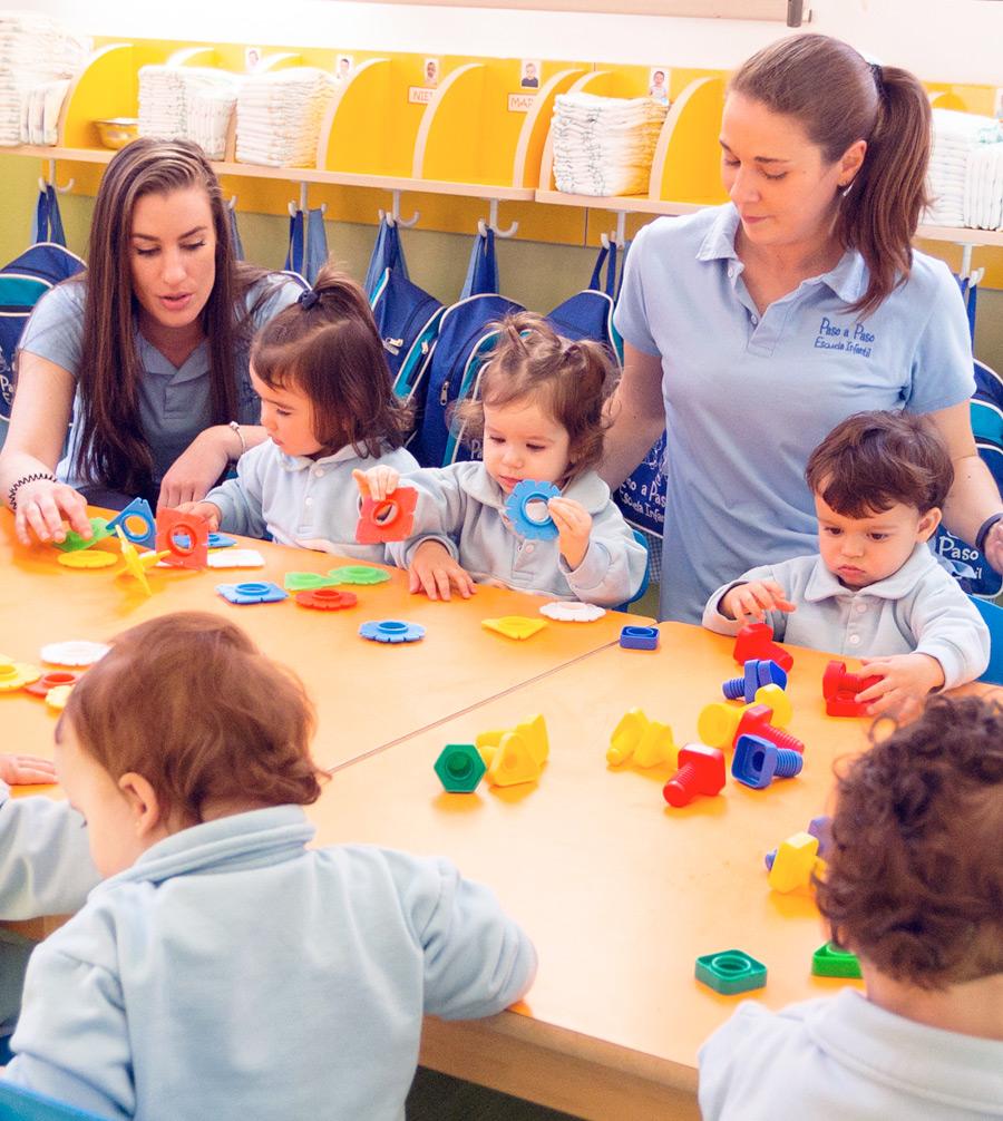 niños aprendiendo formas