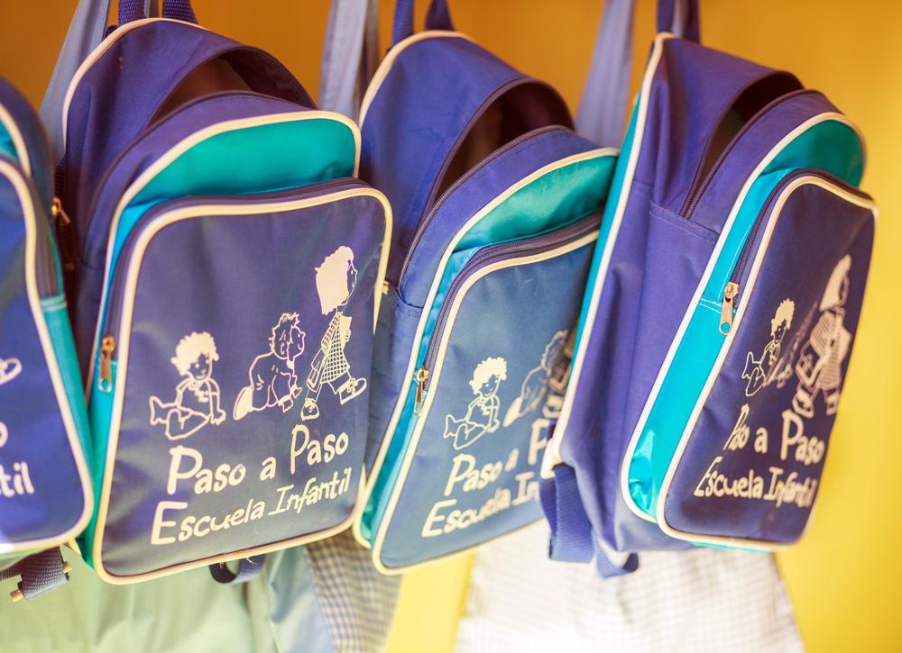 mochilas en la escuela